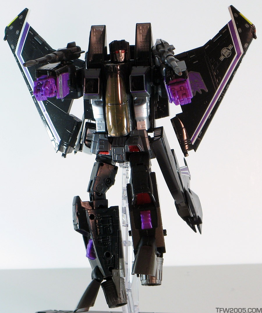 Skywarp Masterpiece_Skywarp_Robot_15