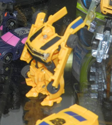 Bumblebee Mobile Battle Bunker (Cybertronian Warriors) Image