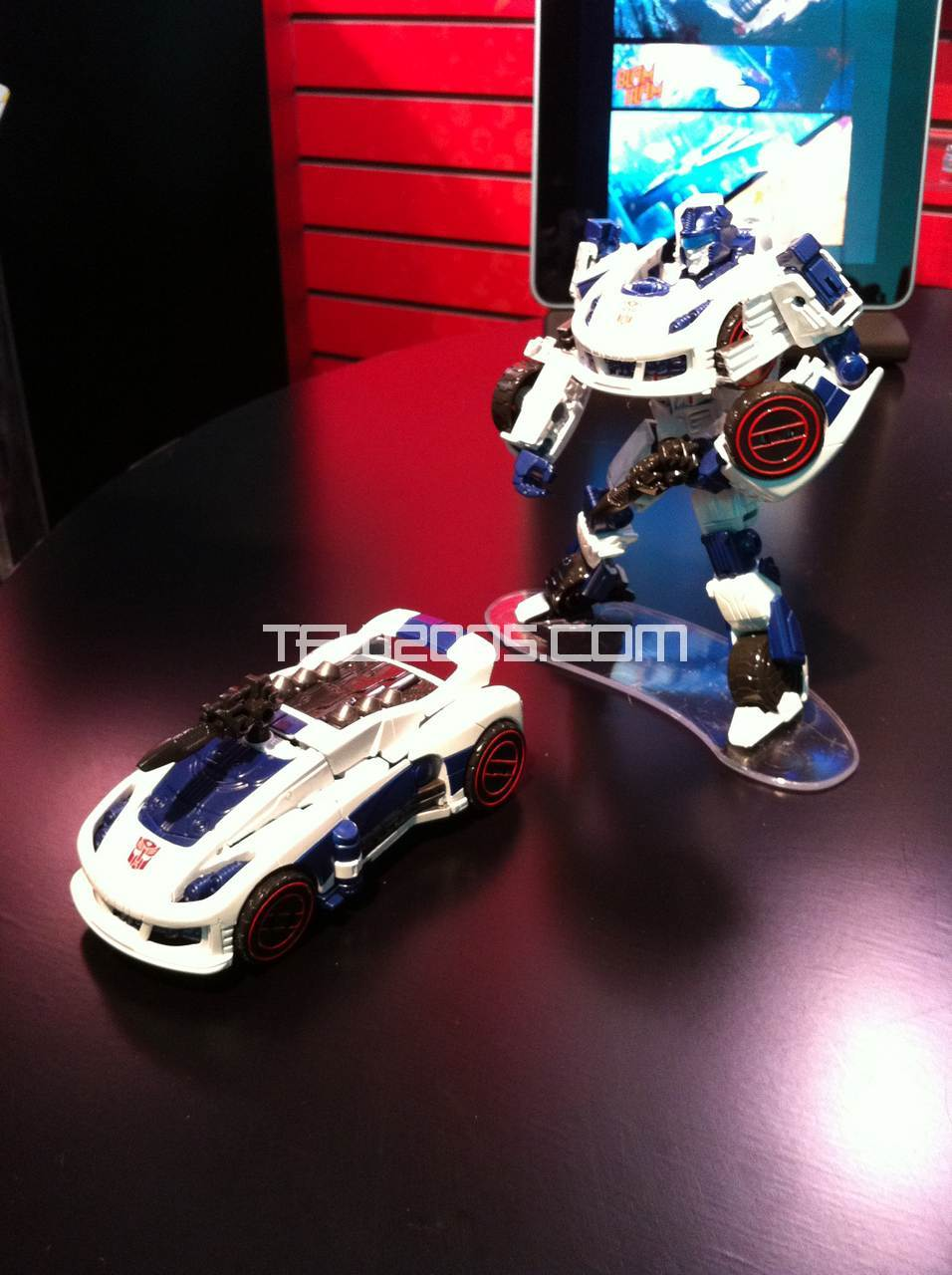 Autobot Jazz Toy-Fair-2012-Transformers-Generations-2012-005