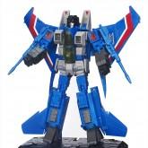 Masterpiece Thundercracker Robot