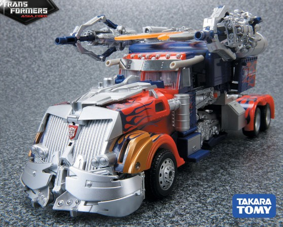 Optimus Prime (Striker, Asia Version) Asia-Striker-Optimus-Prime-3